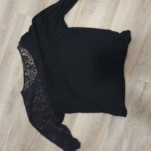 Beautiful top with lace sleeve